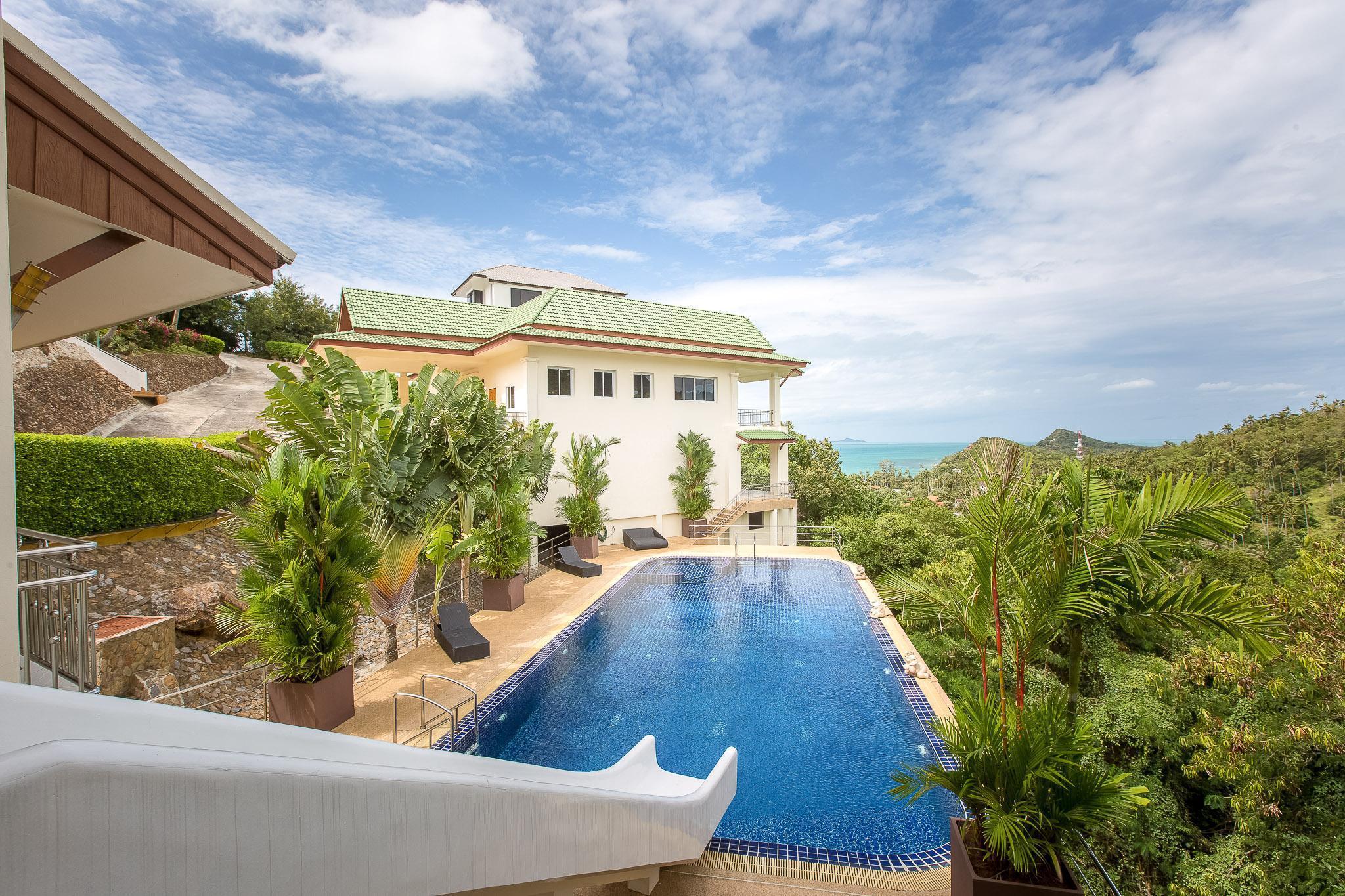 Villa Brussou-Luxury 3BR Villa with Waterslide วิลลา 3 ห้องนอน 3 ห้องน้ำส่วนตัว ขนาด 280 ตร.ม. – บางปอ